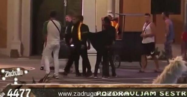 U OKRŠAJU KANTAMA I LONCIMA: Žarko Lepom Mići POLOMIO ZUB! (VIDEO)