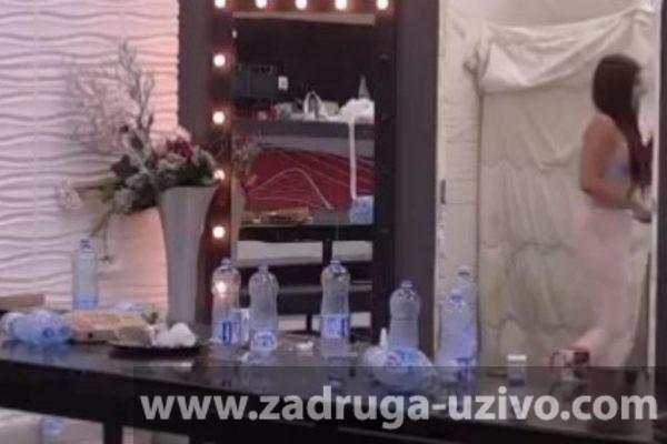 ŠTA ĆE JOJ REĆI KORAĆEVA?! Dragana upala Davidu u kupatilo dok se TUŠIRAO, kamere uhvatile momenat! (VIDEO)