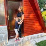 Dragana Mitarspava sa momkom bogatašem dok joj sin pati sam u drugoj sobi, objavio je na društvenim mrežama!