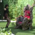 Deniz Dejm bezobrazno zaihgrala ispred drveta mudrosti u nameri da ostvari svoje želje (SNIMAK)